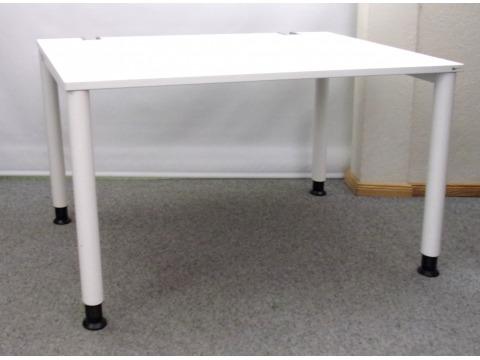 höhenverstellbarer Schreibtisch von OKA