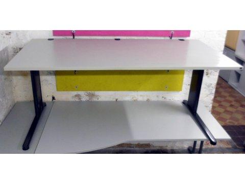 höhenverstellbarer Schreibtisch von König und Neurath