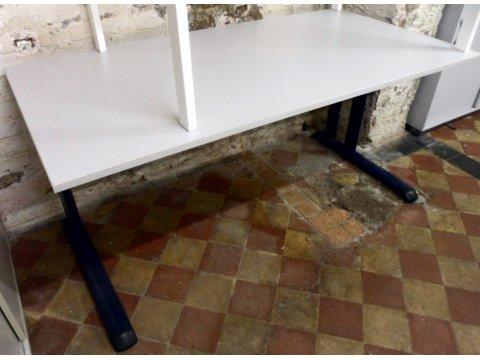 höhenverstellbarer Schreibtisch von Welle