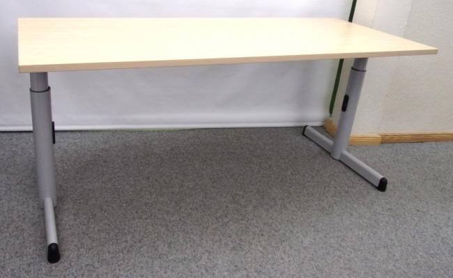 schmaler Schreibtisch von Steelcase