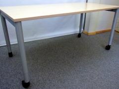höhenverstellbarer Schreibtisch auf Rollen von Werndl