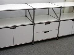 Sideboard von System 180 in weiß mit Schubladen und Türen