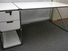 weißer Schreibtisch von System 180