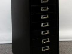 schwarzer Schubladencontainer
