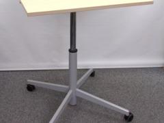 hydraulisch höhenverstellbarer quadratischer Tisch auf Rollen