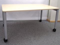höhenverstellbarer Schreibtisch auf Rollen von Steelcase