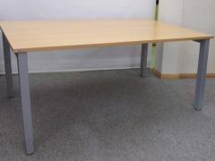höhenverstellbarer Schreibtisch von Assmann