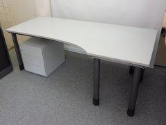 höhenverstellbarer Schreibtisch in grau von Dyes