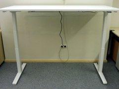 neuer elektrisch höhenverstellbarer Schreibtisch