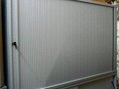 abschließbares Sideboard grau für 2 Ordnerhöhen