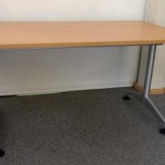 klappbarer Konferenztisch