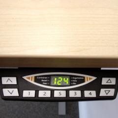 elektrisch höhenverstellbarer Schreibtisch von FM